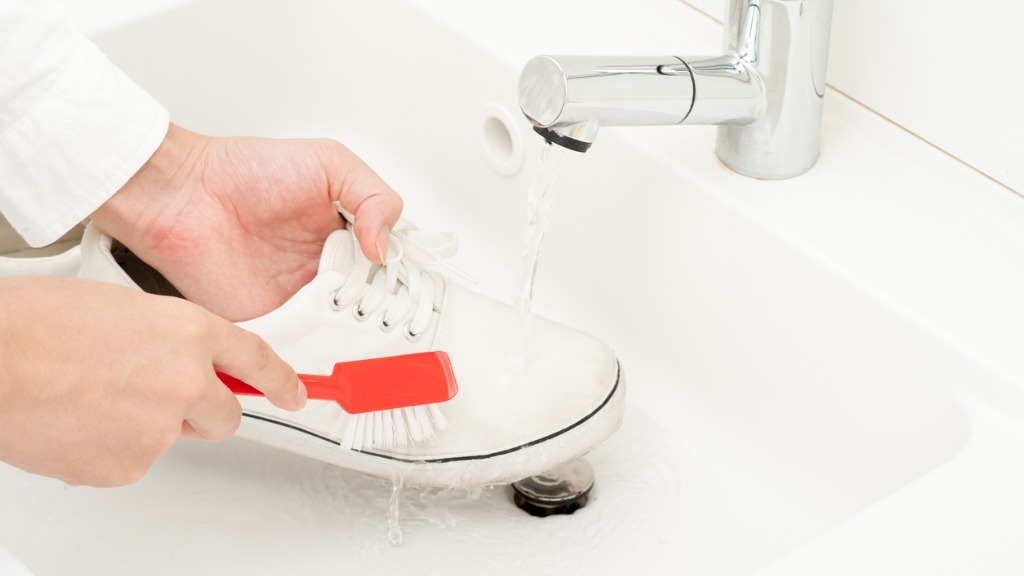 Cleaning white canvas shoes